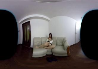 免費線上成人影片,免費線上A片,[VR]日本VR成人 人妻做完家務後 就在沙發上自慰和自吸乳頭