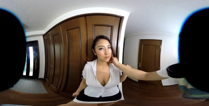 免費線上成人影片,免費線上A片,[VR]日本VR成人 一下班回來就撫摸老婆的大奶 摳她的小淫穴